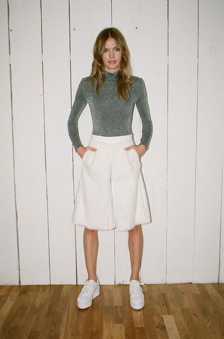 Пижамы, комбинации и халаты в новой коллекции Walk of Shame. Изображение № 18.