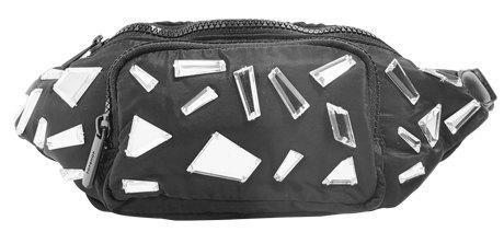 Освободи руки: 10 поясных сумок от простых до роскошных. Изображение № 3.