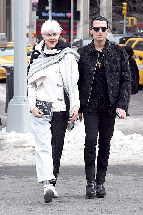 Что носят  на Нью-Йоркской  неделе моды. Изображение № 16.