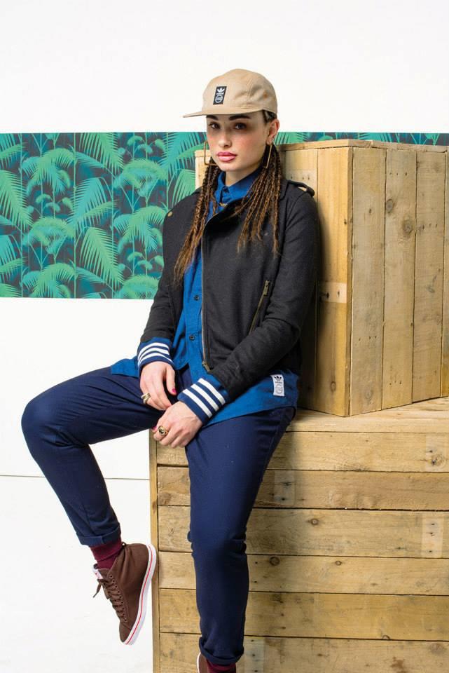 Новый лукбук Adidas Originals — в стиле вогинг. Изображение № 9.