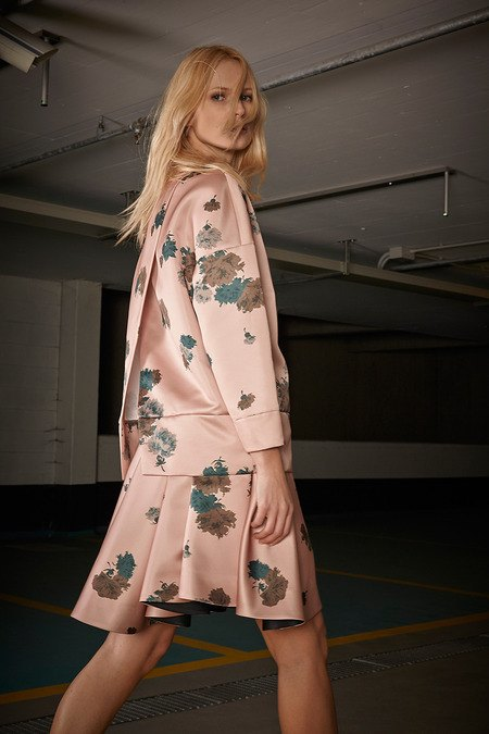 Платья с цветами и пайетки в новом лукбуке No. 21. Изображение № 5.