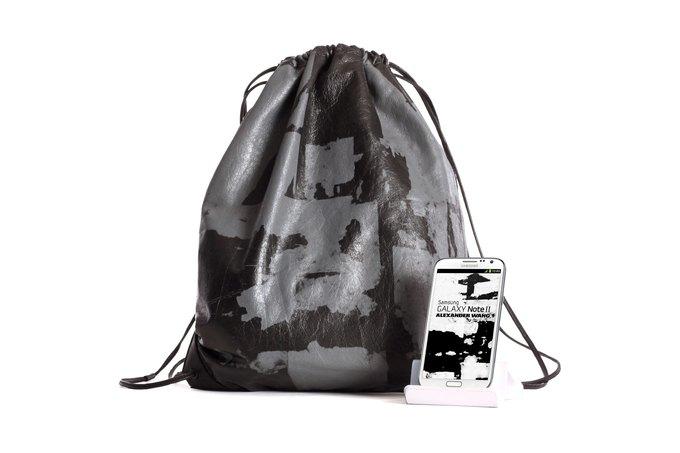Александр Вэнг выпустил мешок за 550$ в благотворительных целях. Изображение № 1.