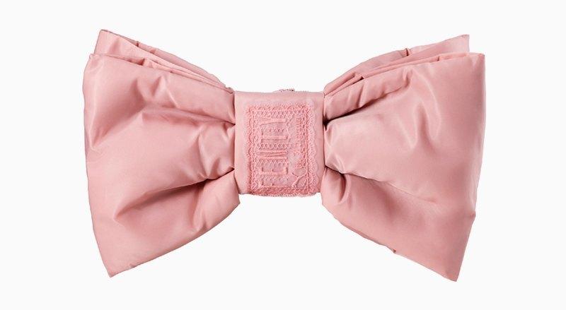 Освободи руки: 10 поясных сумок от простых до роскошных. Изображение № 5.