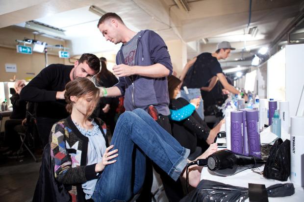 Неделя моды в Лондоне: Бэкстейджи. Изображение № 20.