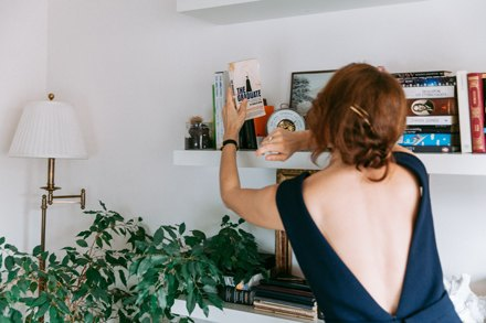Совладелица спортклуба «БОБО» Даша Косарева у себя в гостиной. Изображение № 2.