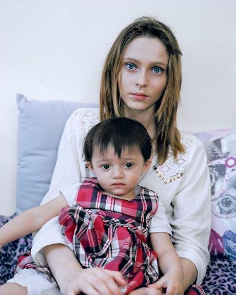 «Be Still, My Heart»: Грустные и счастливые истории юных матерей. Изображение № 26.