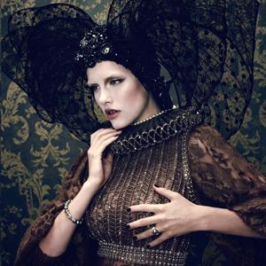 Парижская неделя моды: Показы Chanel, Valentino, Alexander McQueen и Paco Rabanne. Изображение № 41.