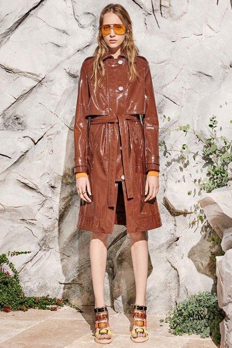 Как одеться в стиле 80-х: 10 актуальных образов. Изображение № 21.