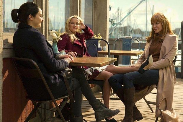 Над пропастью во лжи: Риз Уизерспун и Николь Кидман в сериале «Big Little Lies». Изображение № 2.