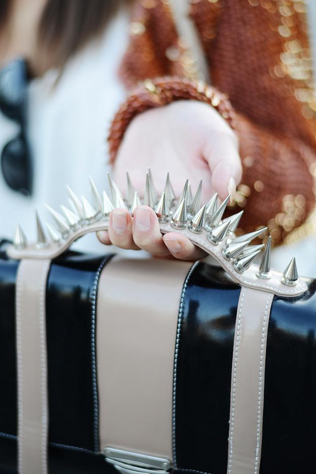Парни в криперах и девушки в шортах на Неделе моды в Стокгольме . Изображение № 23.
