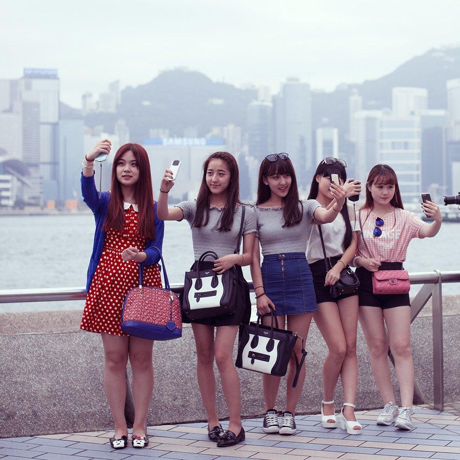 «Self Promenade»: Любители селфи в Гонконге. Изображение № 15.