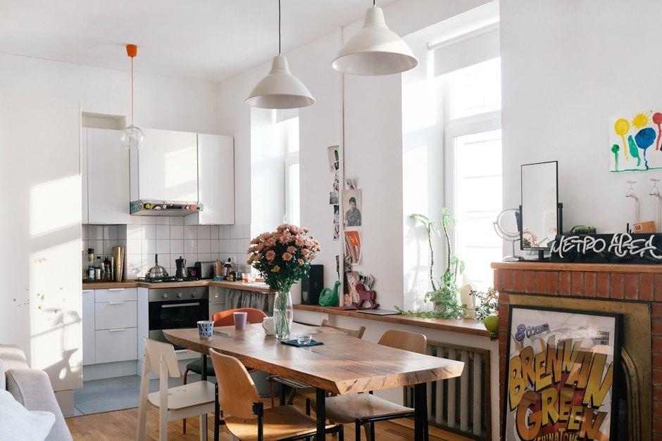 Дизайнер интерьера Мария Плешакова у себя в гостиной. Изображение № 1.