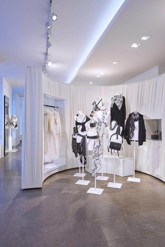 Chanel открыли временное пространство в Colette. Изображение № 7.