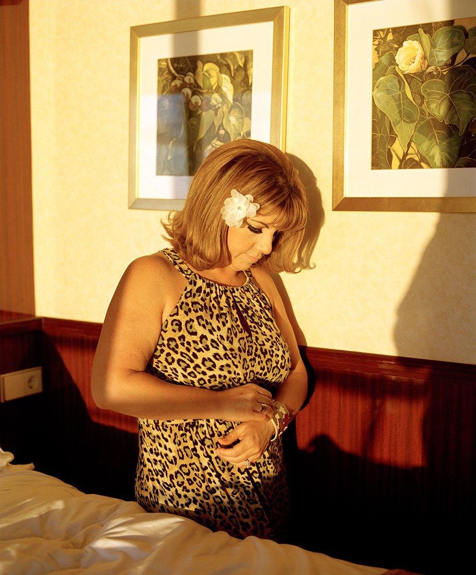 «Mom»: Жизнь американского визажиста глазами ее дочери. Изображение № 14.