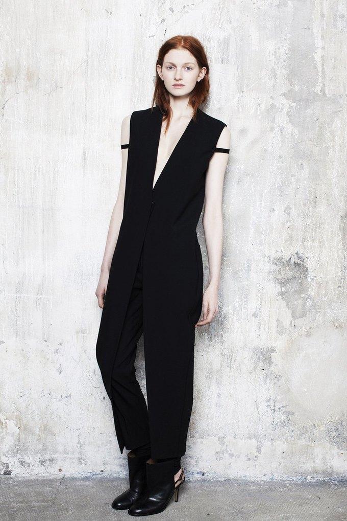 Объемная верхняя одежда в коллекции Maison Martin Margiela. Изображение № 6.