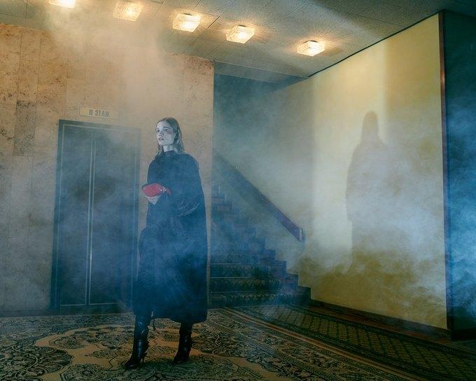 SVMoscow показали новогоднюю съёмку в духе Хичкока. Изображение № 13.
