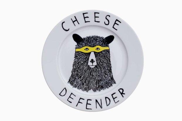 Обаятельная посуда с ироничными зверюгами. Изображение № 7.