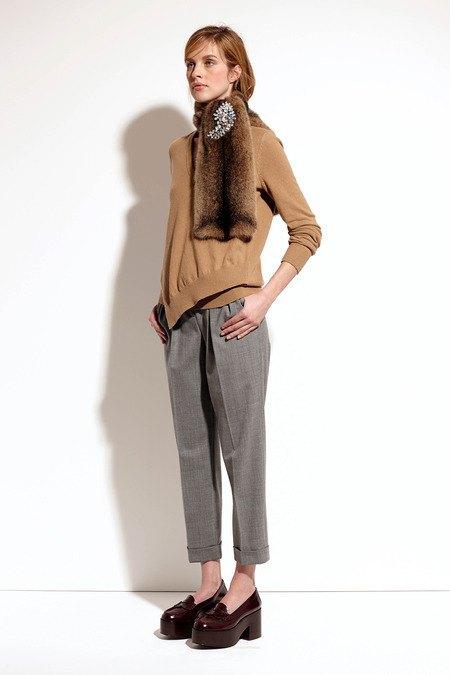 Пальто и костюмы в лукбуке новой коллекции Michael Kors. Изображение № 31.