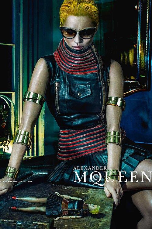 Кейт Мосс стала новым лицом Alexander McQueen. Изображение № 3.