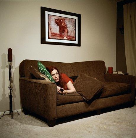 «Перед экраном»:  Зазомбированные  телезрители. Изображение № 6.