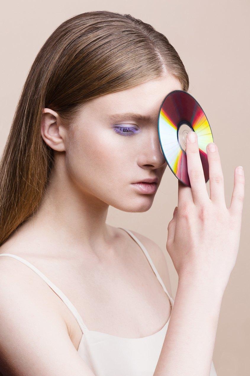 6 вариантов макияжа  с цветной тушью. Изображение № 5.