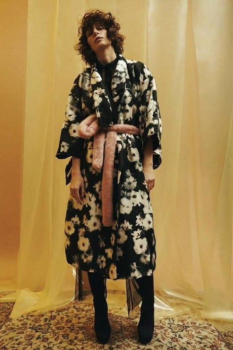 LOH apparel: Розовые шубы и кимоно из Минска. Изображение № 2.
