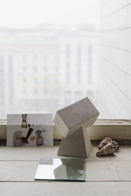 Дизайнер одежды Катя Яэмурд у себя в студии. Изображение № 5.