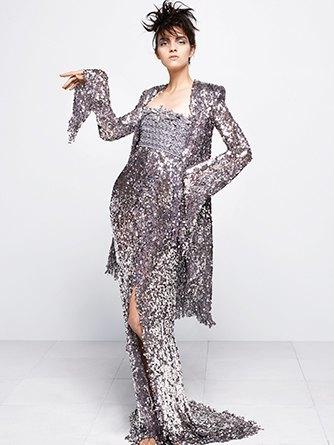 На показе Chanel Haute Couture были шлепанцы  и беременная модель. Изображение № 3.