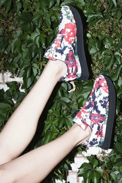 Ksenia Schnaider и Ali Saulidi представили коллекцию кроссовок. Изображение № 4.