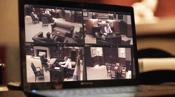 Эпизод 5. Кейн устанавливает у себя в кабинете видеонаблюдение — с помощью камер мэр анализирует свое поведение. Изображение № 40.
