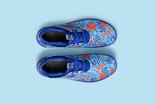 Nike Sportswear выпустила кроссовки с гавайскими принтами. Изображение № 3.