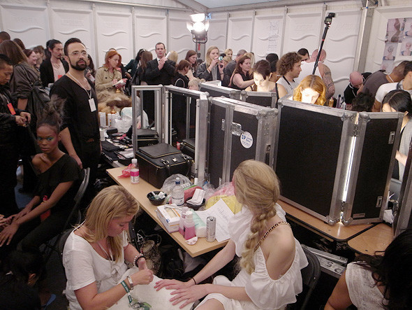 London Fashion Week: Репортаж с бэкстейджей House of Holland и Vivienne Westwood. Изображение № 30.