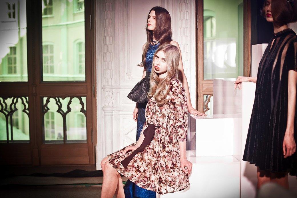 Репортаж: Бархатные платья  и светящиеся кубы на LUBLU Kira Plastinina FW 2013. Изображение № 31.