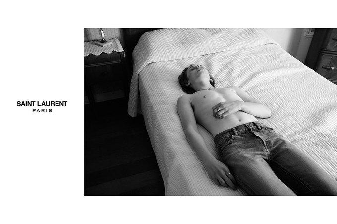 Звезда «Любви» Гаспара Ноэ и сын Килмера снялись в рекламе Saint Laurent. Изображение № 17.
