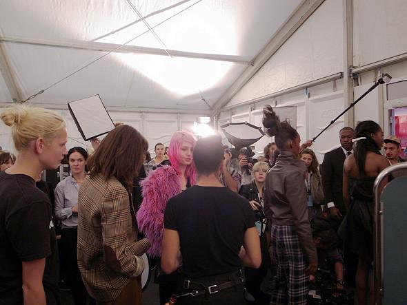 London Fashion Week: Репортаж с бэкстейджей House of Holland и Vivienne Westwood. Изображение № 20.