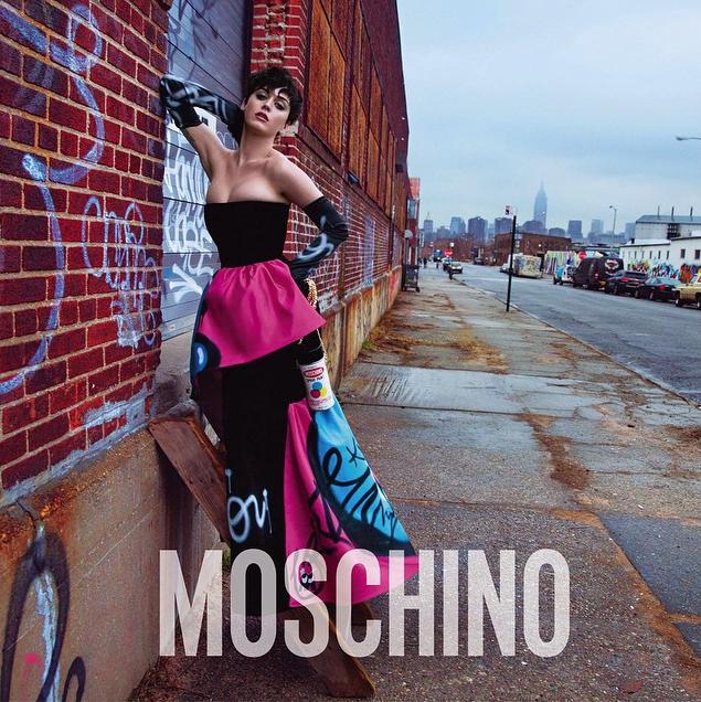 Moschino показали рекламную кампанию с Кэти Перри. Изображение № 2.