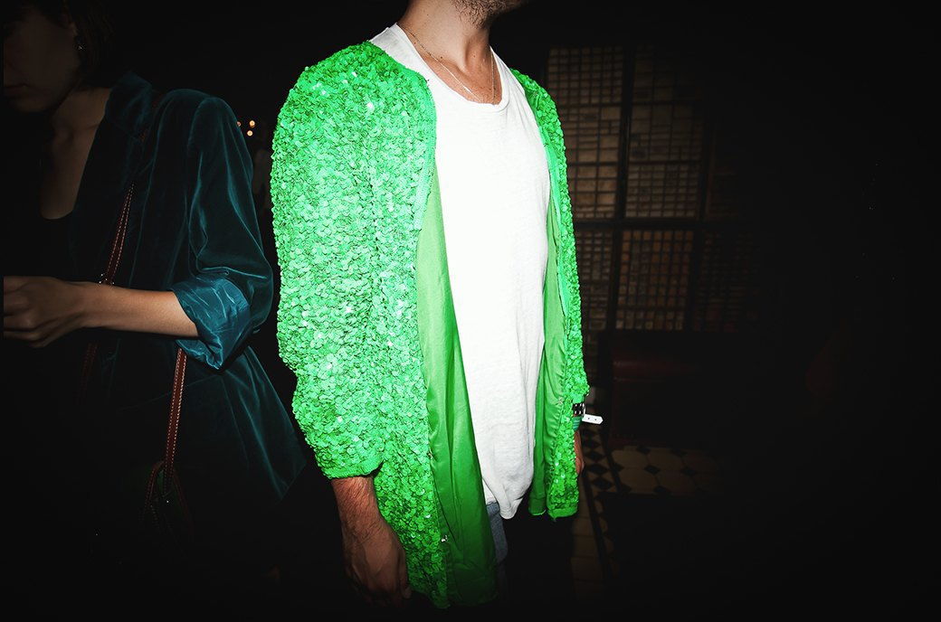 Неоновый дресс-код  на открытии летнего  сезона в баре Strelka. Изображение № 16.