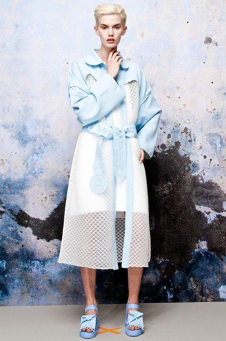 Xiao Li: Скульптурная одежда из трикотажа  и силикона. Изображение № 3.