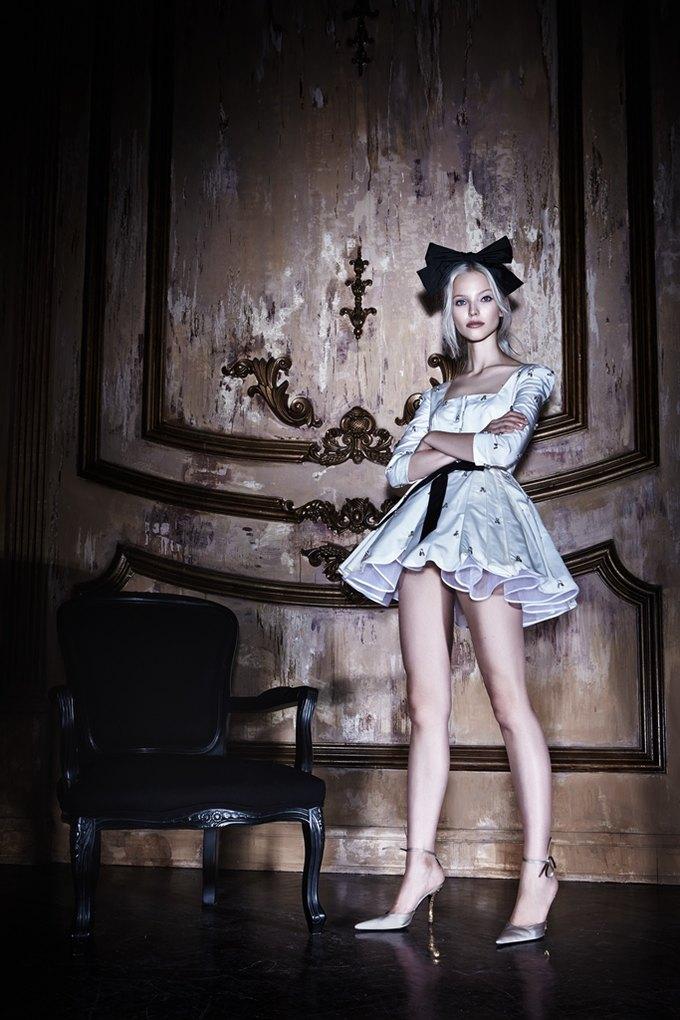 Саша Лусс с собачкой в новом лукбуке Bohemique. Изображение № 11.