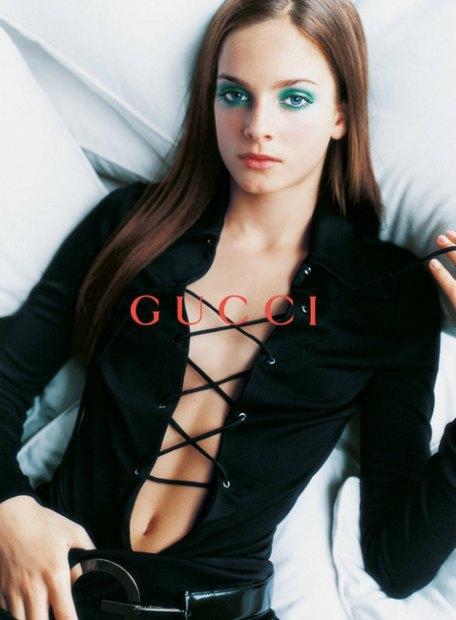 Рекламная кампания Gucci весна-лето — 1996. Изображение № 9.