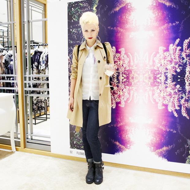 Грош цена: Люди на Fashion's Night Out о самых выгодных покупках. Изображение № 22.
