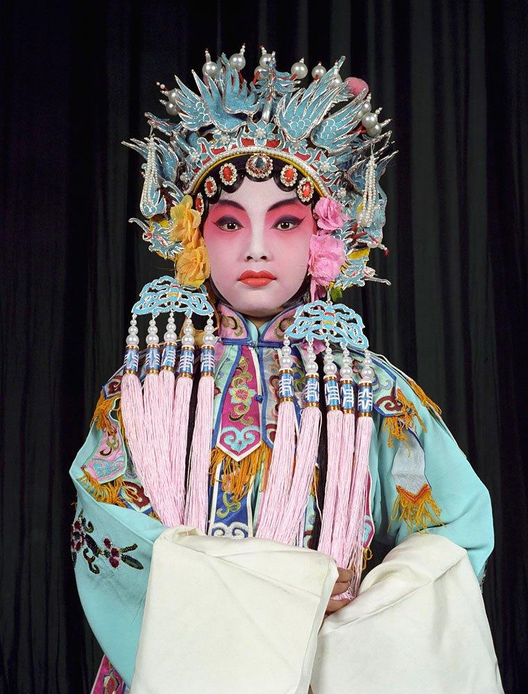 «Opera»: Студенты Пекинской оперы  в традиционных костюмах. Изображение № 14.