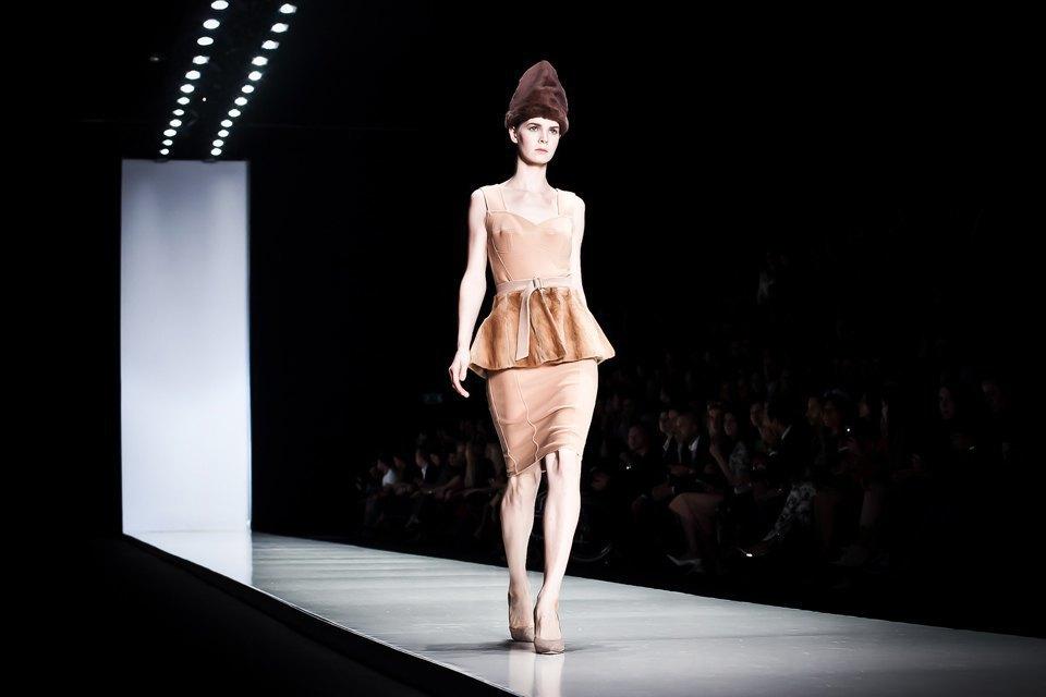 Репортаж: Летние платья  и меховые шапки Ruban FW13. Изображение № 29.