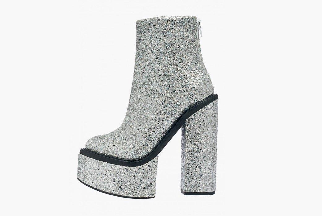 Бескомпромиссные глэм-ботинки Jeffrey Campbell. Изображение № 1.