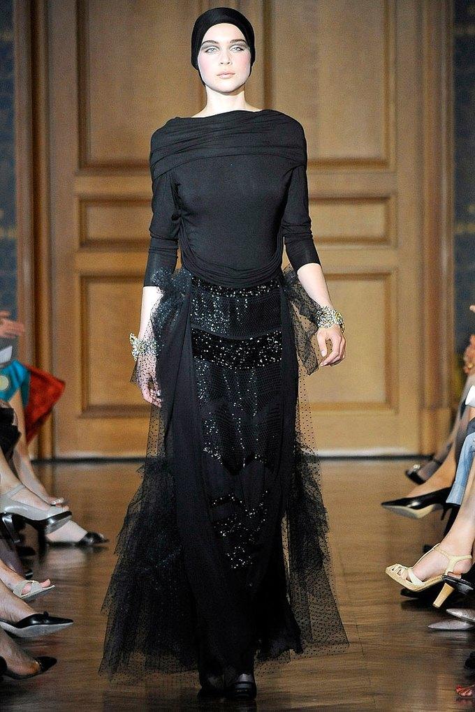 Christian Lacroix Couture FW 2009. Изображение № 4.