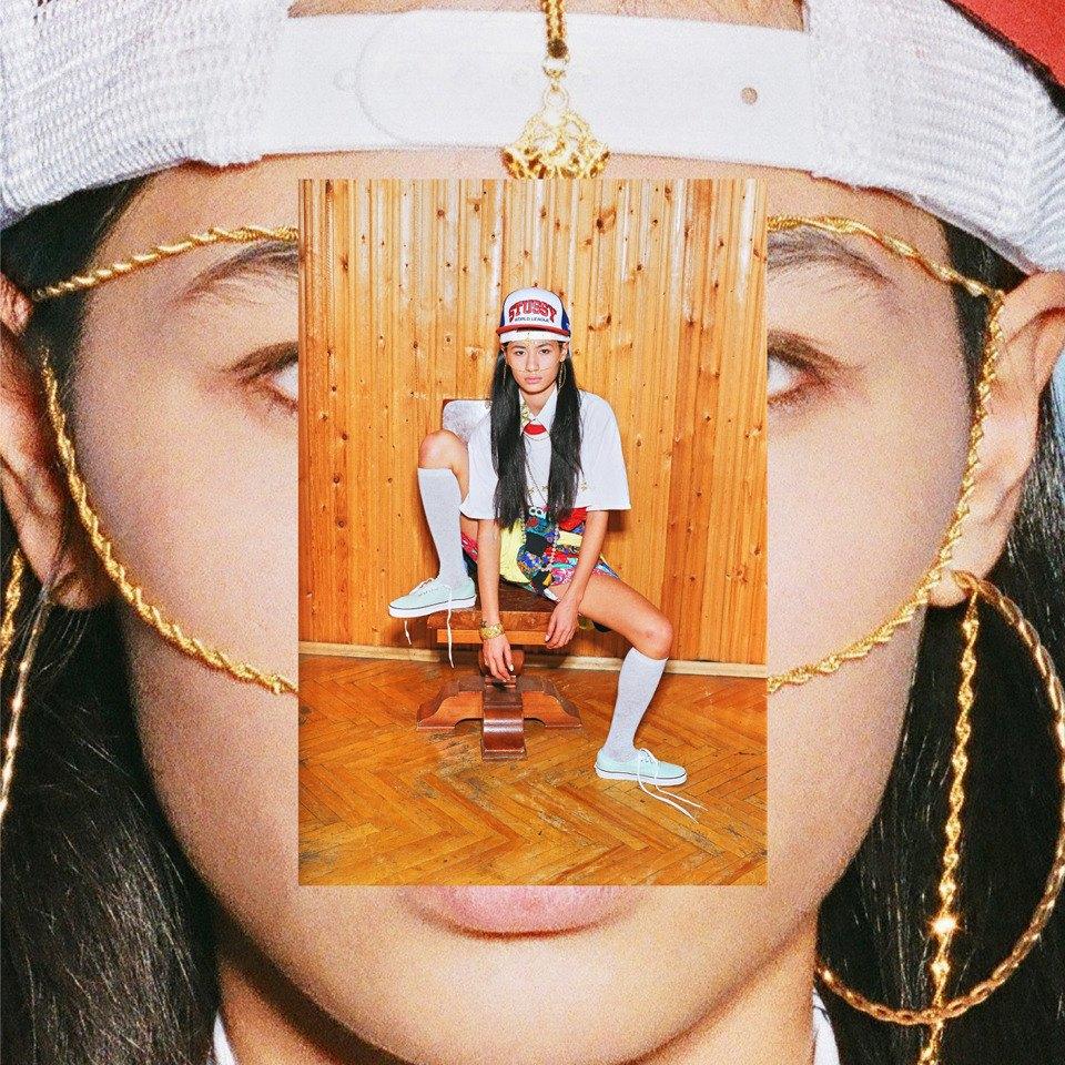 Все лучшее сразу: Московские модники в самой нарядной одежде из своего гардероба. Изображение № 1.