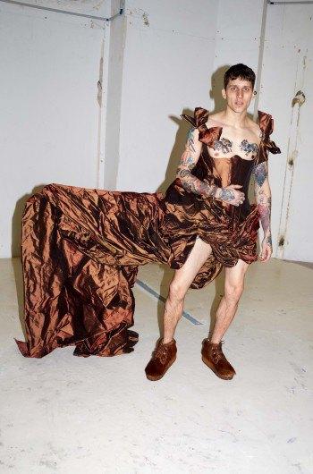 Звезда «Игры престолов» снялась в рекламе Vivienne Westwood. Изображение № 6.