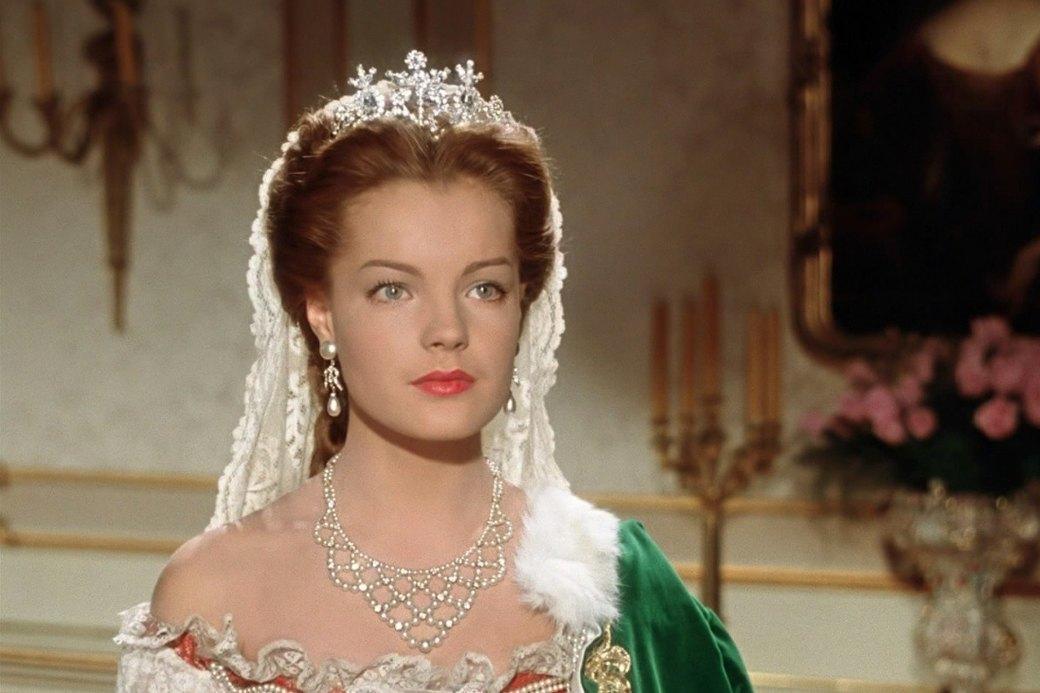 Тиары и диадемы:  Королевские украшения  на каждый день. Изображение № 2.