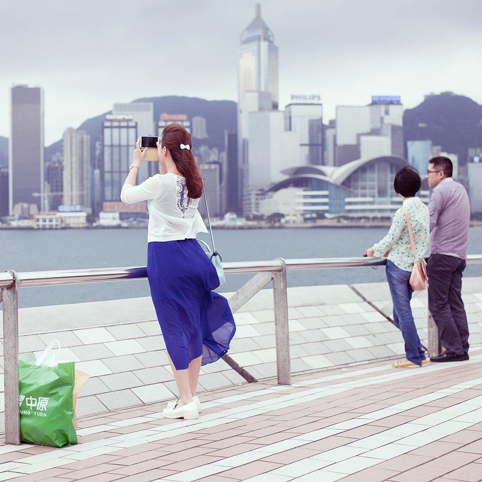 «Self Promenade»: Любители селфи в Гонконге. Изображение № 8.