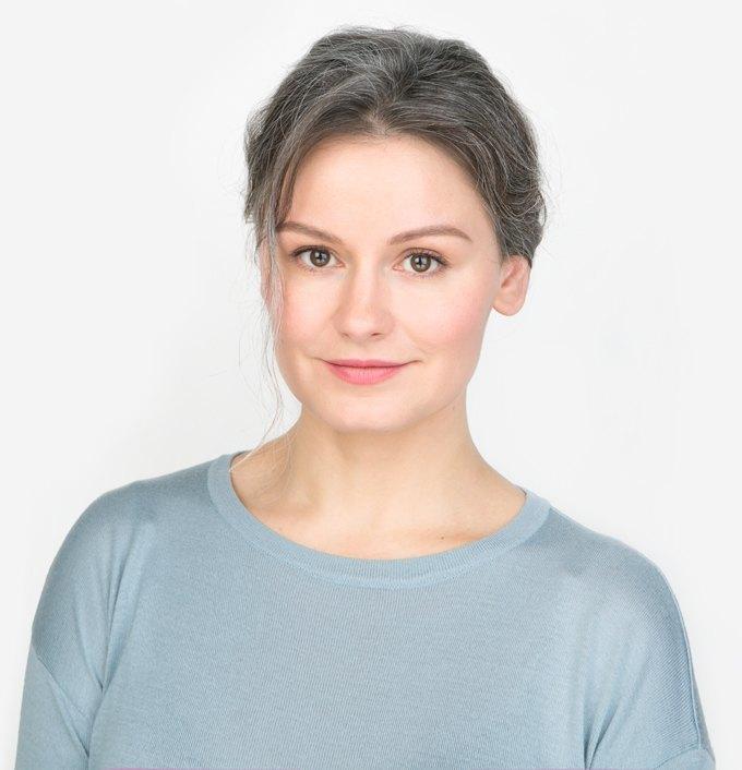 Визажистка и фотограф Юля Сметанина о седине и любимой косметике. Изображение № 1.